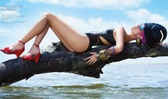 melissa-shoes-PLASTIC-DREAMS-in-SWIM-2011-we-love-on-Fashion-Daily-Mag