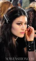 prada-backstage-beauty-F2011-milan-photo-nowfashion.com-on-fashiondailymag