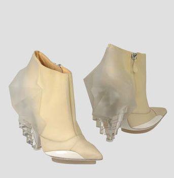 Balenciaga-Ankle-boots-2-on-www.fashiondailymag.com-by-Brigitte-Segura