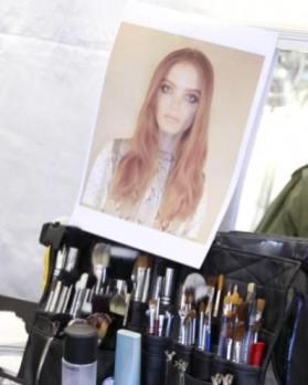 CHLOE-f2011-backstage-beauty-smokey-eyes-photo-nowfashion-on-fashiondailymag