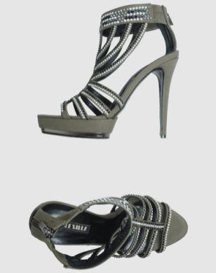 Le-Silla-shoes-on-www.fashiondailymag.com-by-Brigitte-Segura