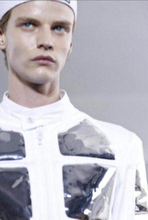 MONCLER-gamme-bleu-ss12-sel-2s-FashionDailyMag-photo-NowFashion