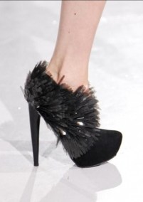 FDM-selects-IRIS-VAN-HERPEN-f2011-couture-paris-photo-15-shoes-NowFashion-on-FDMloves