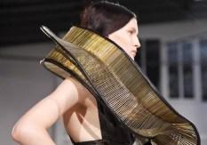 FDM-selects-IRIS-VAN-HERPEN-f2011-couture-paris-photo-9-NowFashion-on-FDMloves