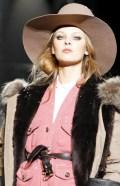 FashionDailyMag-Dsquared2-details-sel-13-fall11-runway-p-NowFashion-on-FDM-loves