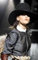 FashionDailyMag-Dsquared2-details-sel-4-fall11-runway-p-NowFashion-on-FDM-loves