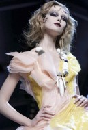 FashionDailyMag-selects-12-CHRISTIAN-DIOR-f2011-haute-couture-july-4-paris-runway-photo-nowfashion
