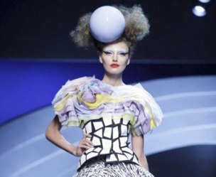 FashionDailyMag-selects-7-CHRISTIAN-DIOR-f2011-haute-couture-july-4-paris-runway-photo-nowfashion