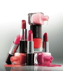 LAURA-MERCIER-pink-+-red-for-VDAY-on-fashiondailymag