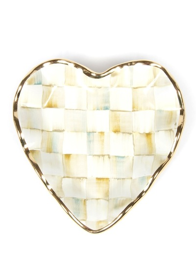 MACKENZIE-CHILDS-parchment-check-fluted-heart-plate-fdm-loves