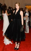 cara delevingne wearing burberry to the metropolitan museum of art 2012 costume institute benefit in ny, 07-1.05.12. 2jpg