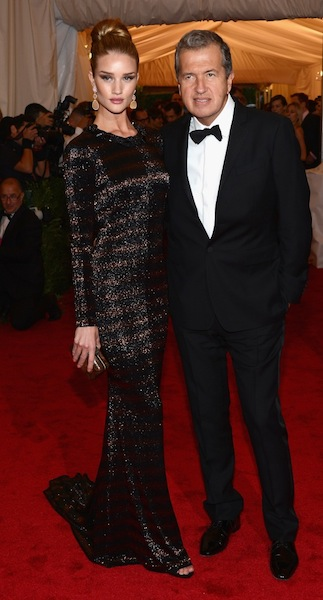 rosie huntington-whiteley and mario testino wearing burberry to the metropolitan museum of art 2012 costume institute benefit in ny, 07-1.05.12