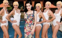 Dita Von Teese with the Aqualillies 1-1