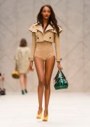 burberry prorsum ss13 FashionDailyMag sel 25 jourdan dunn