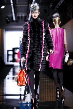 KARLIE KLOSS fendi fall 2013 FashionDailyMag sel 2