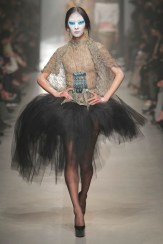 Vivienne Westwood Fall Winter 2013 fashiondailymag look 24-1