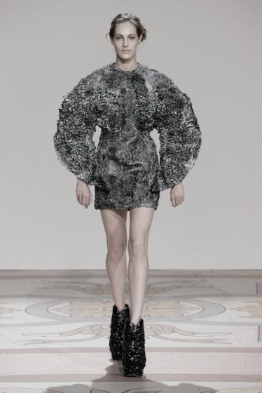 Iris van Herpen couture fall 2013 FashionDailyMag sel 2