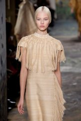 VALENTINO Couture Spring 2014 fashiondailymag sel 17b