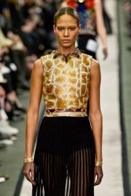 JOAN SMALLS Givenchy fall 2014 FashionDailyMag sel 27