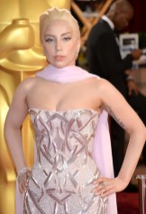 lady gaga at the oscars on fashiondailymag