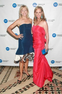 liz peek yaz hernandez FIT Foundation Gala FashionDailyMag sel 2