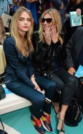 cara delevingne kate moss burberry ss15 FashionDailyMag