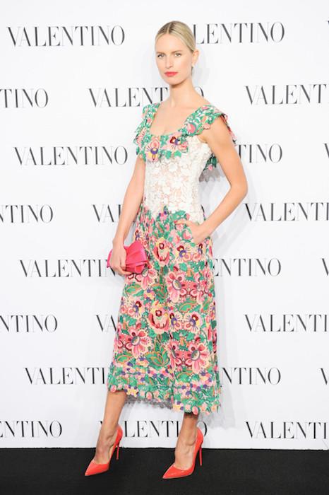 karolina kurkova in valentino FashionDailyMag sel 5