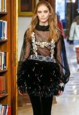 ondria hardin CHANEL PREFALL 2015 fashiondailymag sel 14 d