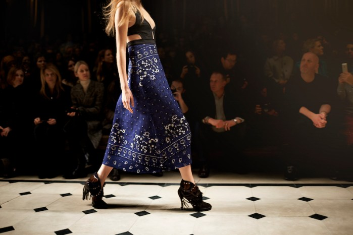 Burberry Womenswear Autumn_Winter 2015 Sho_007