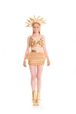 LAUREL DEWITT fall 2015 fashiondailymag sel 246