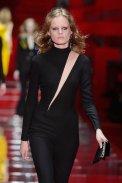 VERSACE fall 2015 MFW FashionDailyMag sel 3 hanne gaby odiele