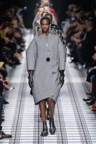 BALENCIAGA fall 2015 fashiondailymag sel 99