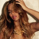 BEYONCE rocks Raquel Smith Jewelry