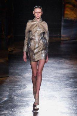 IRIS VAN HERPEN fw16 FashionDailyMag sel 8
