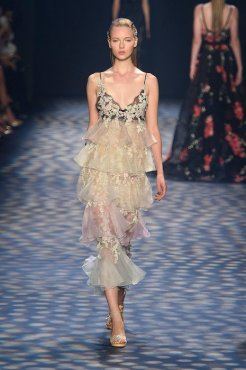 flowered-marchesa-ss17-fwp-fashiondailymag-12