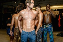 jeans-for-refugees-ss17-fashiondailymag-pt_019