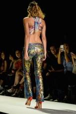 jeans-for-refugees-ss17-fashiondailymag-pt_067