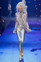 marc-jacobs-ss17-fwp-fashiondailymag-14