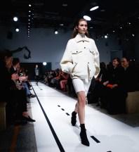 sportmax fall 2017 fashiondailymag 4s