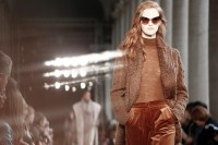 Max Mara FW17_ATMOSPHERE fashiondailymag 5