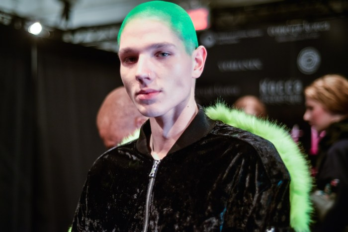 green hair Concept Korea FW17 Fashiondailymag PT-9