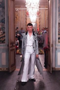 PALOMO SPAIN PRE SPRING 2018 PARIS fashiondailymag0PALOMO SPAIN PRE SPRING 2018 PARIS fashiondailymag(2)