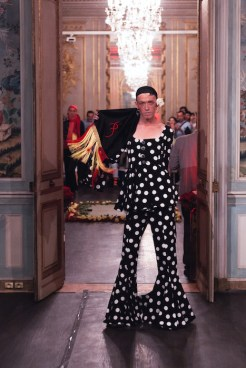 PALOMO SPAIN PRE SPRING 2018 PARIS fashiondailymag3PALOMO SPAIN PRE SPRING 2018 PARIS fashiondailymag(2)