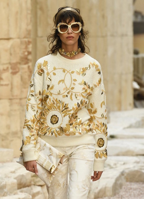 mica arganaraz chanel resort 2018 fashiondailymag 22 copy