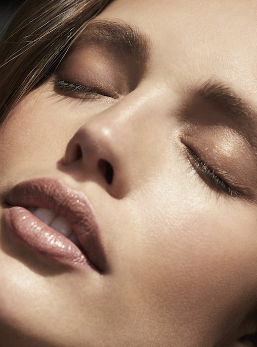 EMILY DiDonato in the GLOW STORY + RAIN FDMLOVES 120_043_05