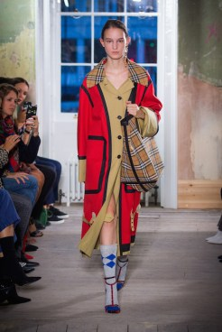 Burberry September 2017 Collection - Look 10