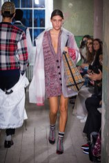 Burberry September 2017 Collection - Look 37