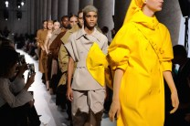 19 MAXMARA SS19 MFW RUNWAY fashiondailymag