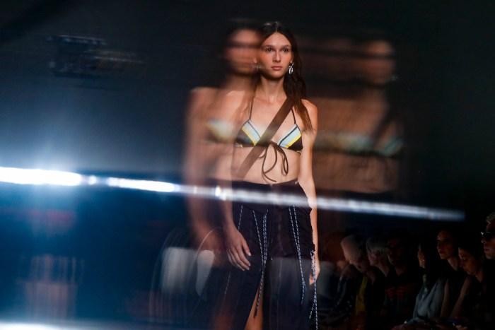 23 SPORTMAX ss19 MFW Fashiondailymag 1