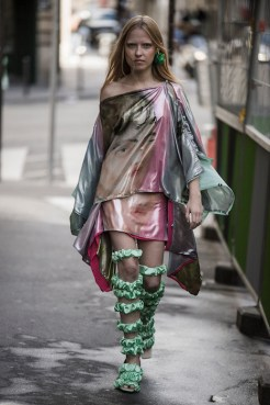 LOOK25 NEITH NYER PARIS FASHION WEEK SS19 Fashiondailymag bleumode